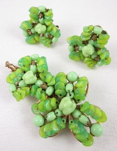UNIQUE CITRIS GREEN MIRIAM HASKELL GLASS PIN AND EARRINGS