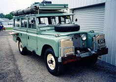 Expedition Land Rover.