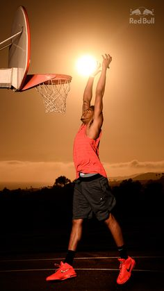 Anthony Davis Dunks the Sun in These Incredible Photos Nba, Anthony Davis, Michael Jordan, Red Bull, Athlete, Basketball, The Incredibles, Sports, Cats