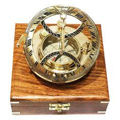 Mosiężny żeglarski zegar słoneczny z kompasem, Zegar Dollonda, kompas żeglarski z inklinacyjnym zegarem słonecznym z mosiądzu w drewnianym pudełku - prestiżowy prezent dla Żeglarza i osób zakochanych w żaglach, żaglowcach, morskich historiach, szantach i dalekich portach, nobilitująca dekoracja marynistyczna, ponadczasowy upominek w morskim stylu, wskazuje właściwy kierunek w każdym miejscu na ziemi  http://sklep.marynistyka.pl/zegary-sloneczne-i-inne-c-6.html  http://Marynistyka.eu