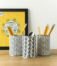 Stylish scandi style monochrome pencil holder from recycled tin cans/ Grillo Designs www.grillo-design - Pencil Holder - Ideas of Pencil Holder Diy Craft Projects, Fun Crafts, Crafts For Kids, Craft Ideas, Pringles Dose, Monogram Stencil, Recycled Tin Cans, Repurposed, Diy Crayons