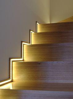 licht fu leisten licht sockelleisten ulm mdf foliert wei led. Black Bedroom Furniture Sets. Home Design Ideas