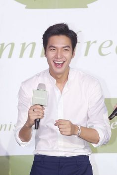 LMH-I ♡ the way he laughs