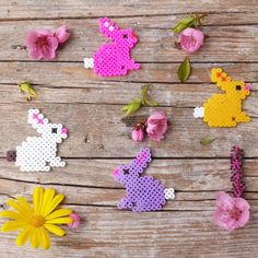 Easter bunnies hama beads by annalesartine Perler Bead Mario, Diy Perler Beads, Pearler Beads, Hama Beads Design, Hama Beads Patterns, Beading Patterns, Hama Beads Animals, Beaded Animals, Melted Pony Beads
