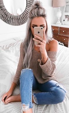 Charming Spring Outfits To Copy Asap Grey Off The Shoulder Knit + Destroyed Skinny Jeans Pink Blonde Hair, Blonde Wig, Hair Styles Brunette, Brown Blonde, Blonde Color, Blonde Balayage, Edgy Outfits, Mode Outfits, Fashion Outfits