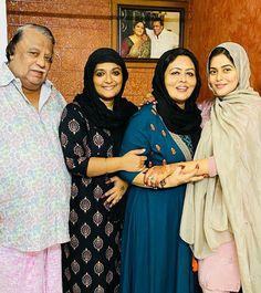 Shamna (Poorna) and family photo Shamna Kasim, Family Photos, Fashion, Family Pictures, Moda, Fashion Styles, Family Photo, Family Photography, Fashion Illustrations