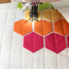 Modern Hexies: My Latest Quilty Obsession - Cotton + Joy - Modern Quilting, straight line quilting with walking foot - Patchwork Hexagonal, Hexagon Quilt Pattern, Hexagon Quilting, Quilting Fabric, Quilting Tips, Hand Quilting, Modern Quilting Designs, Modern Quilt Patterns, Quilt Designs