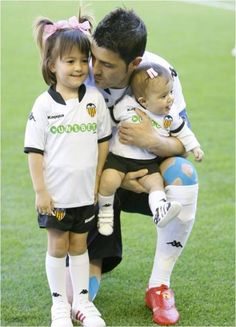 David Villa and his daughters Zaida and Olaya