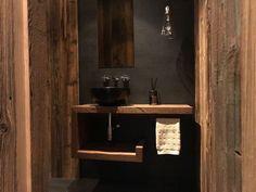 Chalet Tannenhof – Ferienwohnungen zum Wohlfühlen in Tirol – Charming Family Escapes Bathroom Lighting, Vanity, Mirror, Furniture, Home Decor, Zugspitze, Viajes, Bathroom Light Fittings, Dressing Tables
