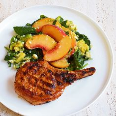 Finally! The peaches are ripe enough for us to enjoy the delicious #iqs8wp paprika pork chops with peach salad. All cooked by my husband... He even made sugar-free banana bread for dessert...