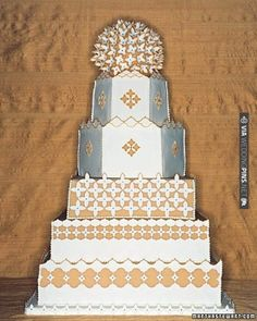 The hexagonal and rectangular tiers of this cake were inspired by the architecture of Spain | VIA #WEDDINGPINS.NET