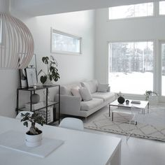 Home Decorating Ideas Living Room Living room full of light and wonderfully large room height Home Decorating Ideas Living Room Source : Olohuone täynnä valoa ja ihanan suuri huonekorkeus by PenelopeFiorino Share Home Living Room, Interior Design Living Room, Living Room Designs, Living Room Decor, Living Room Inspiration, Home Decor Inspiration, Muebles Living, Interiores Design, House Design