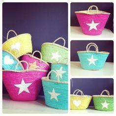 Capazos pintados a mano Beach Basket, Fab Bag, Baskets, Summer Bags, Straw Bag, Leather Bag, Purses And Bags, Decoration, Boho