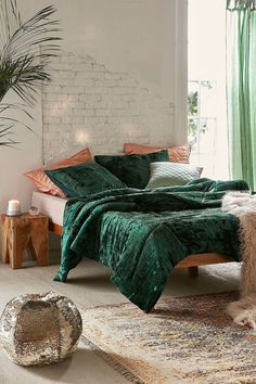 Shop Skye Crushed Velvet Comforter at Urban Outfitters today. We carry all the latest styles, colors and brands for you to choose from right here. Green Comforter, Uo Home, Bedroom Orange, Home And Deco, My New Room, Luxury Bedding, Bedroom Decor, Master Bedroom, Bedroom Simple