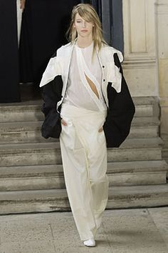 Anne Valérie Hash Fall 2002 Couture - Collection - Gallery - Style.com