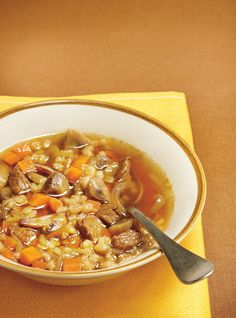 Soup beef and barley ricardo. Chowder Recipes, Soup Recipes, Cooking Recipes, Healthy Recipes, Healthy Food, Recipies, Diabetic Soups, Diabetic Recipes, Ricardo Recipe