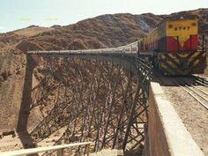 Tren a las Nubes sobre el Puente La Polvorilla a 4.000 metros de altura.