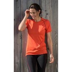 Mit dem superfeinen und extrem leichten Shirt von ENGEL wirst Du Dich wohlfühlen. Mit nur 150g/m2 Stoffgewicht ist es ideal, um als Baselayer (1. Schicht) direkt auf der Haut getragen zu werden. Die #Funktionsunterwäsche trägt nicht auf, ist elastisch und macht alle Körperbewegungen mit, ohne Dich einzuengen. #fashion   #mode