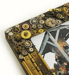D.I.Y. Steampunk Picture Frame