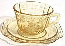 These are Depression Glass cup and saucer sets in amber in the Madrid pattern made by Federal. There is slight roughness on the points of the cups on most of these. Clear Glass, Amber Glass, Vaseline Glass, Fenton Glass, Antique Glassware, Glass Dishes, Glass Collection, Milk Glass, Biscotti