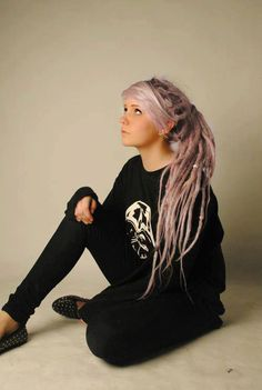 lavender hair + dreads!?! I so wish I could do this
