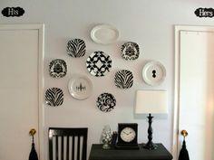 bordjes op de muur