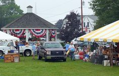 Setting up for auction | Boothbay Register