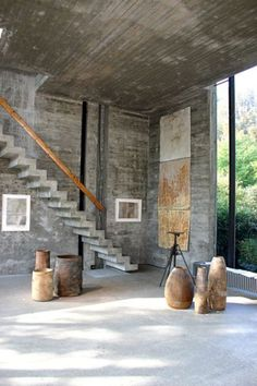 16 Super Cool Concrete Staircase Ideas These days, a concrete staircase is really famous for a modern house. The design of staircase with its concrete material is simple and easy to make. It is another option for you who want to design you Concrete Staircase, Staircase Design, Staircase Ideas, Concrete Houses, Luxury Staircase, Concrete Walls, Concrete Floor, Architecture Design, Concrete Architecture