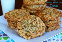 These jumbo Loaded Oatmeal Chocolate Chip Cookies are loaded-up with nuts and toffee bits turning them into the ultimate oatmeal cookie. Baking Recipes, Cookie Recipes, Dessert Recipes, Dessert Ideas, Easy Recipes, Healthy Recipes, Cupcakes, Cupcake Cookies, Just Desserts