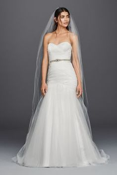 Searching for stunning colorful wedding dresses? Find a plethora of beautiful colored wedding gowns & dresses with color accents at David's Bridal today! Wedding Dresses Size 14, Bridal Party Dresses, Wedding Dresses Photos, Perfect Wedding Dress, Tulle Wedding, Bridal Lace, Bridal Gowns, Wedding Gowns, Mermaid Wedding