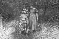 Marina Cvetaeva and her doughter Ariadna Efron Playwright, Russia, Muse, Daughter, History, Couple Photos, People, Inspiration, Writers