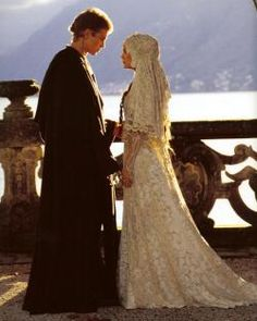 Call me a geek, but I so wish I could get married in Padme's wedding dress and veil...