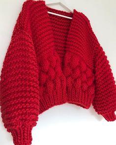 Loom Knitting, Hand Knitting, Knitting Patterns, Big Cardigan, Sweater Design, Garter Stitch, Yarn Colors, Diy Crochet, Midnight Blue
