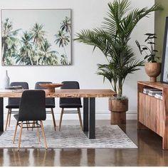Catchy Living Room Designs Ideas With Bold Black Furniture Idéias Para Mobília 🏠 Oz Design Furniture, Black Furniture, Furniture Ideas, Modern Furniture, Dining Room Design, Dining Room Table, Dining Area, Living Room Furniture, Living Room Decor