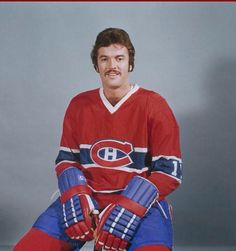 Yvon Lambert Montreal Canadiens, Old Montreal, Montreal Canada, Canadian Hockey Players, Hockey Pictures, Nhl Hockey Jerseys, Good Old Times, Nfl Fans, National Hockey League