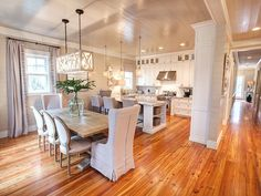Neutral kitchen and dining room in a WaterColor Vacation Rental – VRBO 449674 – 4 BR Beaches of South Walton Cottage in FL, 'Siena by the Sea' Watercolor Glamour, Newly …