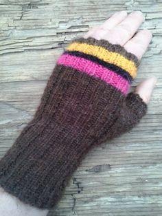 A fine mitten in alpacka, soft Fingerless Mittens, Veronica, Arm Warmers, Magenta, Knit Crochet, Studio, Knitting, Etsy, Fingerless Mitts