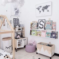 Happy weekend everyone  And thank you @tetuka_id for the alphabet print x woodland animals nya, pas buat nambahin penghuni book shelf sachi  || S print from @tetuka_id #scandisachi