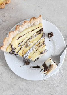 Cannot get enough cannoli treats this year! Check out this Cannoli Tart and bake it with Fun Desserts, Delicious Desserts, Dessert Recipes, Yummy Food, Italian Desserts, Dessert Food, Sweet Pie, Sweet Tarts, Tart Recipes