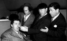 The very last appearance of Curly Howard on the Three Stooges. It's also the only time the brothers Moe Shemp and Curly as well as Larry Fine appeared in film together. The Three Stooges, The Stooges, Classic Comedies, Classic Movies, Classic Hollywood, Old Hollywood, Hollywood Icons, Abbott And Costello, Laurel And Hardy