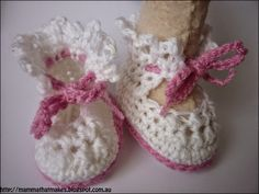 Mamma That Makes: Sally Booties - Free Crochet Pattern