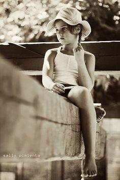 ~Mantener la ilusión~ by SallyPimientaPhoto #photography #fotografia #kids #girl