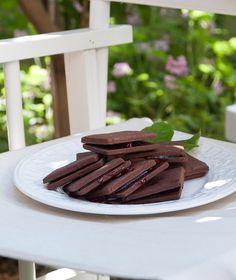 Μπισκότα σοκολάτας με μαρμελάδα