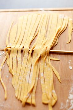 This homemade pumpkin noodles recipe will have you making delicious noodles in no time. Homemade noodles are not super hard to make. They take a little tim Pesto Pasta, Pasta Noodles, Vegan Pasta, Pumpkin Noodles, Pumpkin Pasta, Pumpkin Butter, Pumpkin Puree, Pumpkin Spice, Noodle Recipes