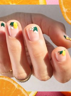 nails two layers essie. Two layers of nail polish … but be careful! - To Beauty Pastel Nail Art, Floral Nail Art, Cool Nail Art, Subtle Nail Art, Spring Nail Art, Spring Nails, Summer Nails, Minimalist Nails, Nail Art Jaune