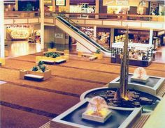 vintage fountain at mall | Lakehurst Mall of Waukegan, Illinois - Interior Photos This is the ...