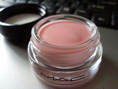 love the MAC eye primer, works so good