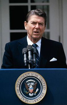 Pictures and Photos - Getty Images 40th President, President Ronald Reagan, Greatest Presidents, Us Presidents, Reagan Bush, Conservative Politics, Role Models, American History, Famous People