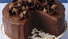 Browned-Butter Banana Cake with Salted Dark Chocolate Ganache - Recipe - FineCooking Chocolate Flavors, Chocolate Ganache, Chocolate Recipes, Round Cake Pans, Round Cakes, Bolo Matilda, Ganache Torte, Ganache Recipe, Mountain Cake