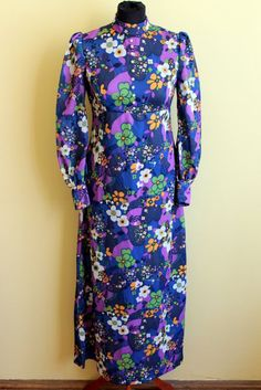 "So 70s! ""Flower power"" dress, with a Victorian cut."